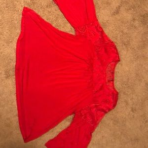 Woman's Red Flowy Wide Long Sleeved Blouse w/ Lace